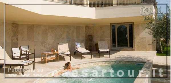 Villa la borghetta resort benessere toscana hotel italia - Piscina figline valdarno ...